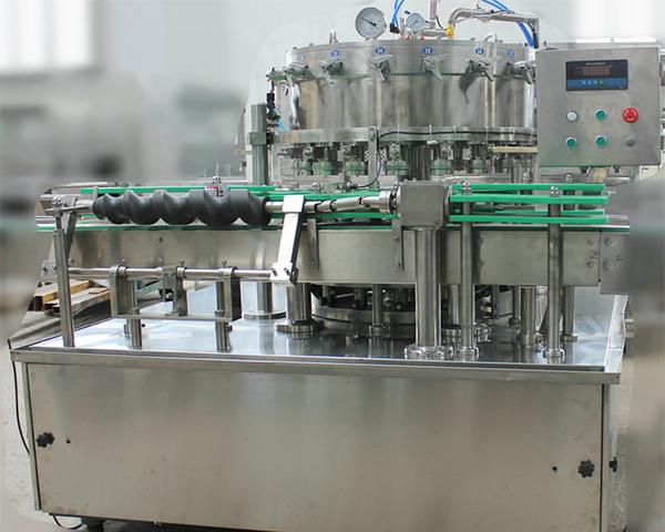 易拉罐啤酒灌装机